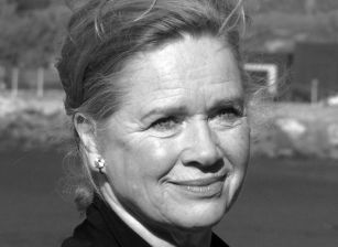Without a Mask: Liv Ullmann in Conversation